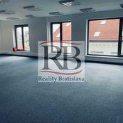 Reprezentatívne kancelárie v centre s apartmánom, terasou a parkovaním 235 m2