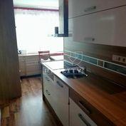 Na predaj 3-izbový byt v Priekope, 68m2.