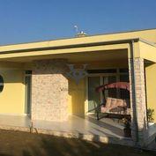 Predám modernú 3 ročnú novostavbu v obci Štitáre na 581m2 pozemku