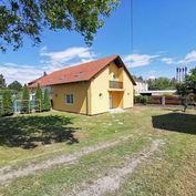 Rodinný dom v obci Kvetoslavov, úžitková plocha domu 144m2, plocha pozemku 513m2,  dom v ŠTANDARDE
