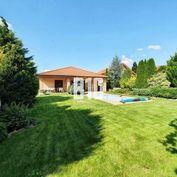 4izb. dom v Nitre na 7,6á pozemku s garážou, bazénom