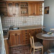Veľký 2 - izbový byt s balkónom, kompletná rekonštrukcia, Martin - Priekopa.