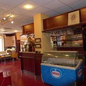 Obchodné priestory 276m2 využívané ako kaviareň s cukrárňou, Slávičie údoie, možnosť prevádzkovania