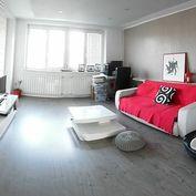 Predaj pekného, priestranného 3 izbového bytu s garážou a 2x parkovacie miesto - Senec