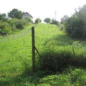 Ponúkame na predaj investičný stavebný pozemok vo výmere 1300 m2 v Marianke.DOHODA NA CENE MOŽNA