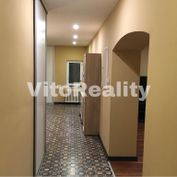 Lukratívny 4-izbový byt na Farskej ulici s rozlohou 160m2