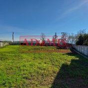 ADOMIS - Predám stavebný pozemok na výstavbu  RD,1353m2, 2 samostatné prístupy z 2 strán, Košice - K