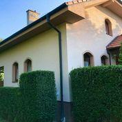 Veľký rodinný dom na 60 árovom pozemku v peknom a tichom prostredí v Hamuliakove