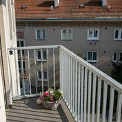Novostavba 2 izb.bytu vrát. PARKINGU, PIVNICE A ZARIADENIA, CENTRUM- Pezinok, Záhradná ul.
