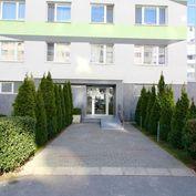 8 izbový byt, predaj, na skok od centra, Belinského ul. Petržalka