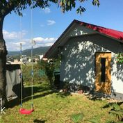 ZNÍŽENÁ CENA Na predaj chatka s pivnicou s úrodnou záhradou a ovocným sadom v Pov. Bystrici