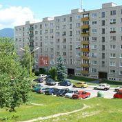 Hľadám 3-izbový neprerobený byt v Ružomberku - Baničné