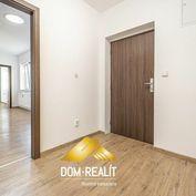 DOM-REALÍT ponúka na predaj príjemný 2 izbový byt v Ružinove na Mierovej ulici