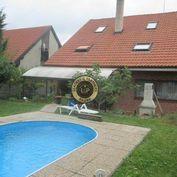 7 izbový rodinný dom v Pezinku, širšie centru, bazén, sauna, garáž