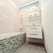 Predaj vkusného bytu po rekonštrukcii s veľkou loggiou a šatníkom v Bratislave