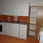 Podnikateľský priestor prerobený na 2-izbový byt, V Holíči