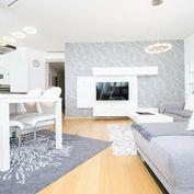 Nadštandardný moderne zariadený 3-izbový byt v Panorama City + parking