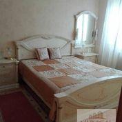 Na predaj 2.izbový byt Senec, Kysucká.