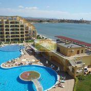 Investícia !!  Apartmán   s rozlohou 50 m2, s balkónom v komplexe Midia Grand Resort   v Bulharsku v