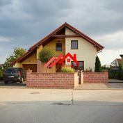 Kuchárek-real:  Ponúka 5 izbový rodinný dom s garážou  v obci Viničné.