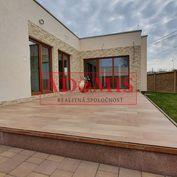 REZERVOVANÉ - Predám 3-izb. rodinný dom - BUNGALOV, priamo pri jazere, pozemok 533 m2, Čaňa