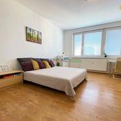 Predaj – 3i byt s loggiou vo výbornej lokalite, BA – Petržalka