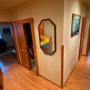 3-izbový zariadený byt - centrum Senec s lodžiou a pivnicou vedľa bytu