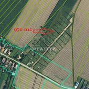 Posledný voľný pozemok! Výmera 970 m2 (šírka 19 m), projekt stavebných pozemkov v obci Jablonec, okr