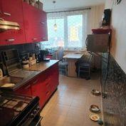 Na predaj 2 izbový byt Nové Zámky 61m2 po čiast. rekonštr.