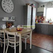 Predaj moderného 3 izbového radového  domu s pozemkom v obci Povoda pri Dunajskej Strede.