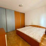 REZERVOVANÉ 2 - izbový byt v centre mesta - Na prenájom