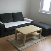 Ponúkame do dlhodobého prenájmu dvojizbový byt  s neprechodnými izbami v lukratívnej časti Ružinov,