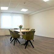 Kancelárie v admin. budove na začiatku Petržalky,  14 m2 - 50 m2