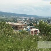 Exkluzívny  pozemok Na Vtáčniku s výhľadom na mesto