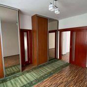 PREDAJ : 2 izbový tehlový byt, ul.Petöfiho, KN