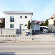 Rodinný dom pre náročných, Trenčín, Vlárska ul., 128 m2 a nádvorie 357 m2.