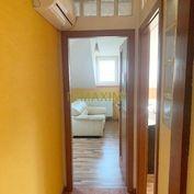 PRIESTRANNÝ 6-izb. rodinný dom - bez pozemku Veľký Biel.