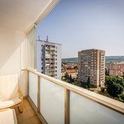 Na predaj 1,5-izbový byt, 2 výťahy, 2 loggie, Tyršovo nábrežie, Košice I,