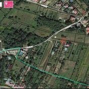 Rezervovaný: Stavebný pozemok  590 m2 v obci MARIANKA vo výbornej lokalite v prostredí plnom zelene.