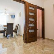 Priestranný 3-izbový byt, 2x lodžia, parking v Ružinove