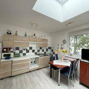 Directreal ponúka REZERVOVANÉ! Zaujímavý 2-izb. byt so svetlíkom a veľkým balkónom v novostavbe na F