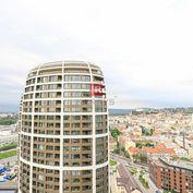 HERRYS - Na prenájom 3 izbový byt v novostavbe SKY PARK s krásnym výhľadom na mesto a garážovým stát
