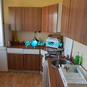 2-izbový byt s balkónom a pivnicou v Bánovciach n./Bebr. na predaj