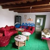 Rodinný dom s veľkým pozemkom v obci Lazany pri Prievidzi