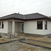 4 izbový murovaný bungalov 5 km od BA, Miloslavov, 100m2 úžitk.plocha a veľký pozemok 685m2