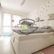 Krásny 3-izbový veľkometrážny byt s balkónom !!!