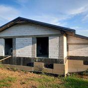Novostavba: rodinný dom Horný Kalník, veľký pozemok 6.500 m2.