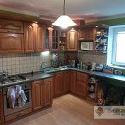 Ponúkame na predaj 2 - izbový tehlový byt v Komárne