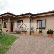 REZERVOVANÉ: ACT REALITY - EXKLUZÍVNE -  Luxusný 4+1 rodinný dom, na slnečnom pozemku 714 m2, Malino