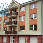 NA PREDAJ posledný 2 izb.byt v príjemnej lokalite mesta Hurbanovo + balkón